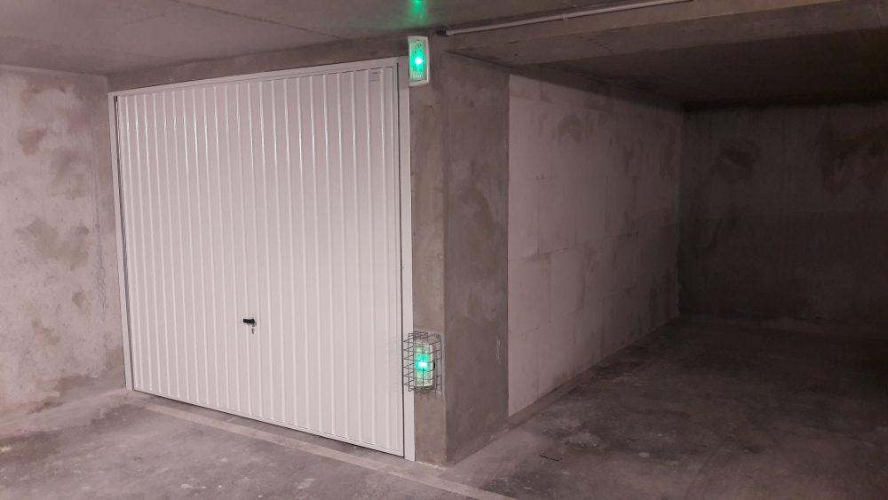 Box 1 mur